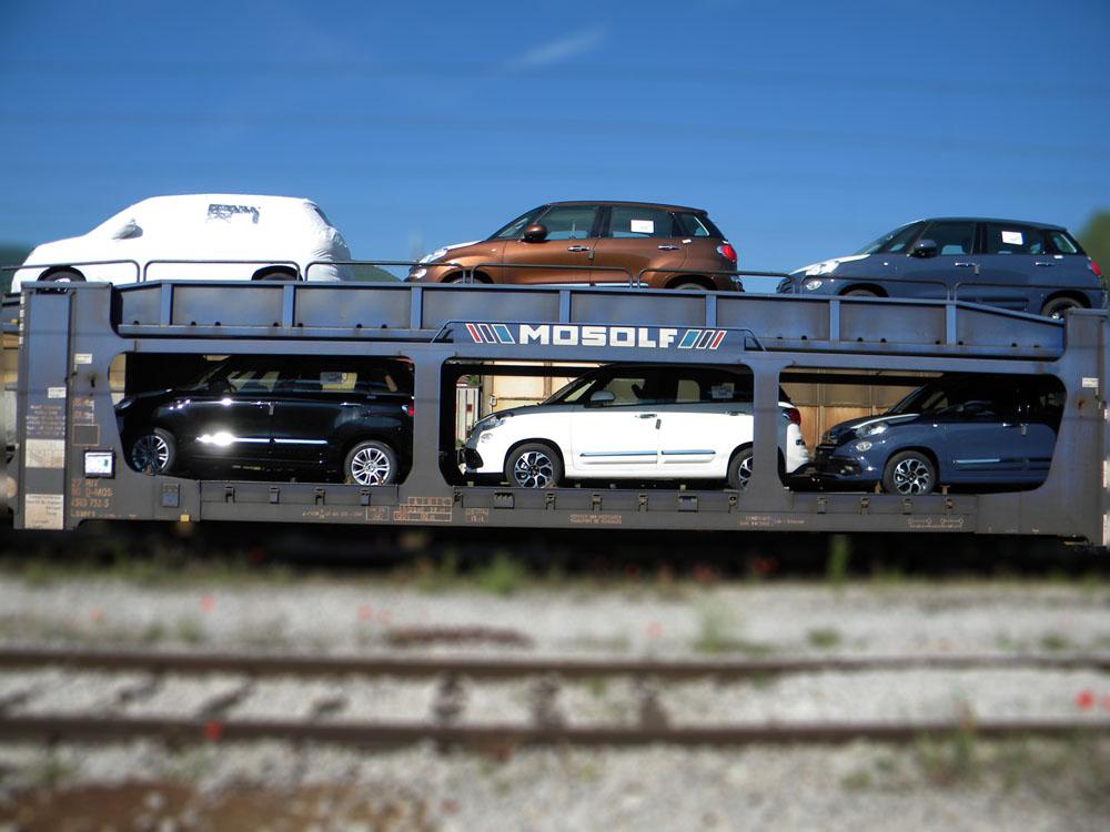 Специјална плато кола за превоз аутомобила