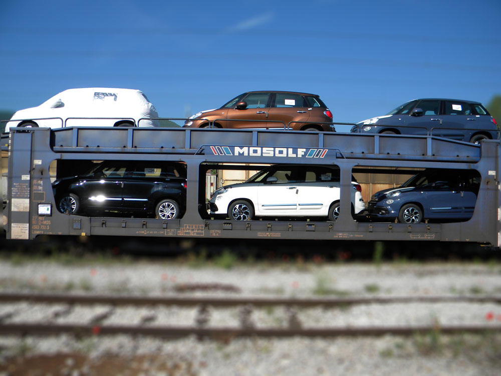 Special car-carrier flat wagon